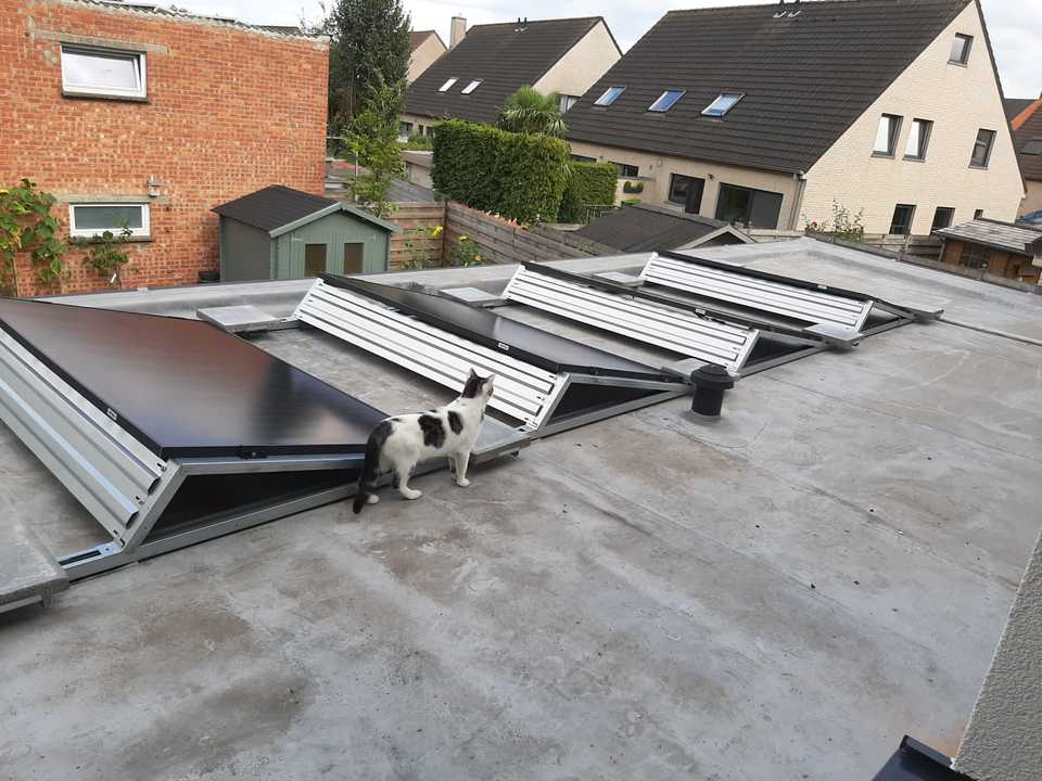 Realisatie 10 zonnepanelen QCELLS 340 Wp Full Black met SMA omvormer te Lede