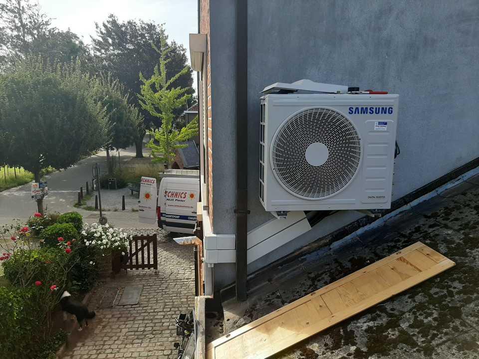 Realisatie Samsung multisplit split warmtepomp met 3 binnenunits wind free Comfort te Gijzelen