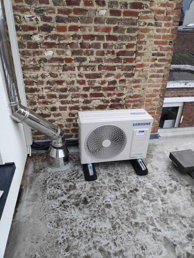 Realisatie Samsung multisplit aircowarmtepomp met 2 binnenunits wind free Comfort in Kleine Ommegangsweg te Lede