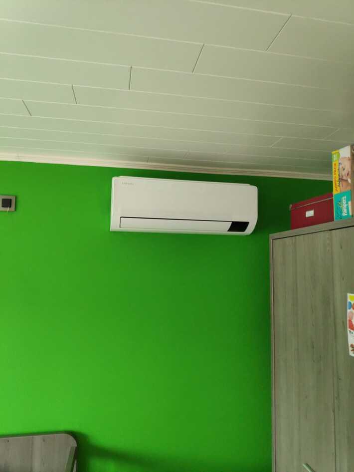 Realisatie Samsung multisplit aircowarmtepomp met 3 binnenunits wind free Comfort te Reymeersstraat in Lede
