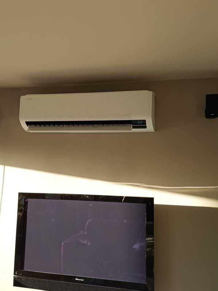 Realisatie Samsung multisplit aircowarmtepomp met 3 binnenunits wind free Elite + Comfort te Wichelen