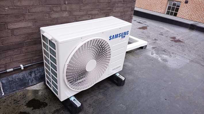 Realisatie 2x Samsung single split aircowarmtepomp Wind Free Comfort te Iddergem