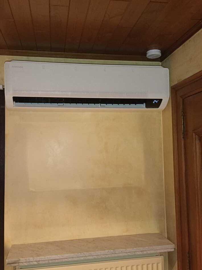 Realisatie Samsung multisplit aircowarmtepomp met 3 binnenunits wind free Comfort Sint-Bravoweg te Erpe-Mere