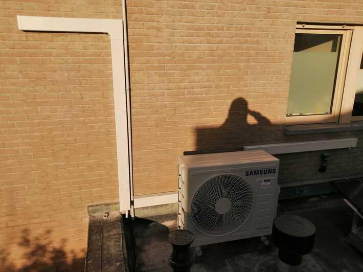 Realisatie Samsung multisplit aircowarmtepomp met 2 Luzon binneunits te Lede