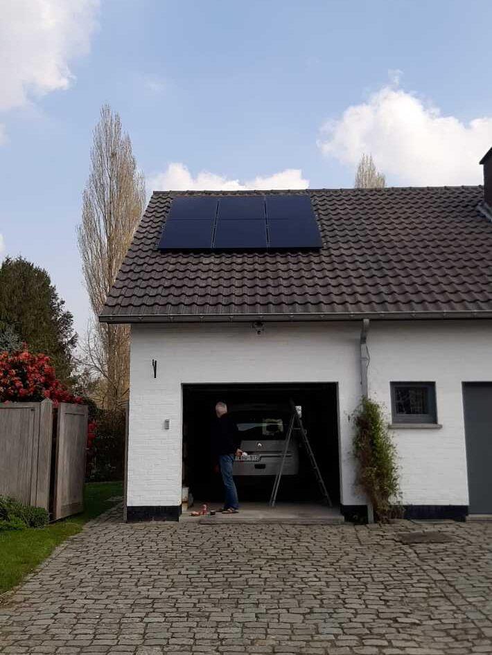Realisatie 16x Qcells zonnepanelen 340 Wp monokristallijn Full Black met SMA omvormer SB5.0 te Haaltert