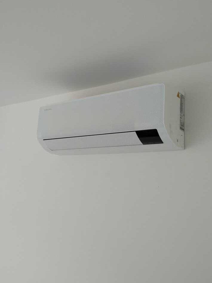 Realisatie Samsung multisplit aircowarmtepomp met 2 binnenunits Wind Free Comfort te Erembodegem