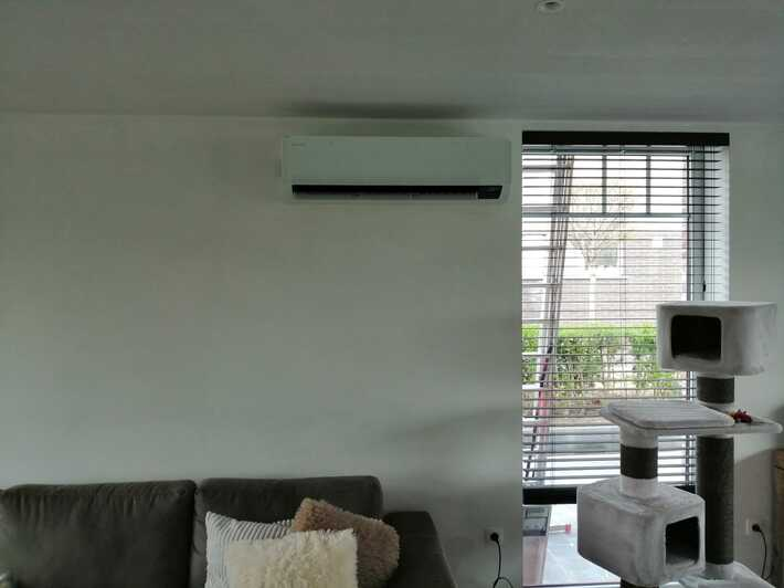 Realisatie Samsung multisplit aircowarmtepomp met 4 binnenunits Wind Free Comfort te Berlare