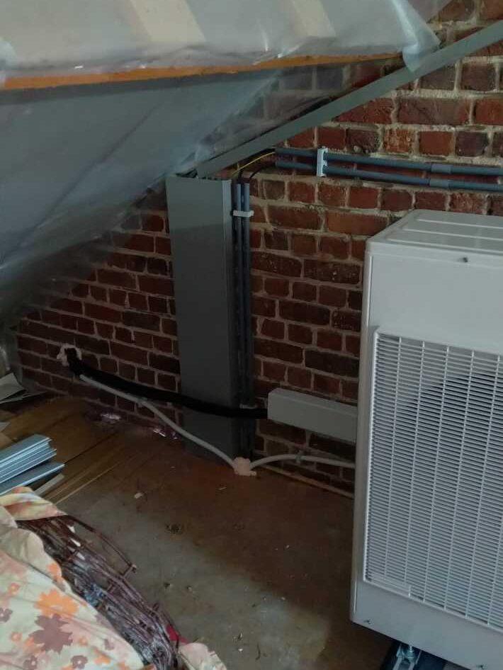 Realisatie Samsung multisplit aircowarmtepomp met 4 binnenunits Wind Free Comfort te Wambeek