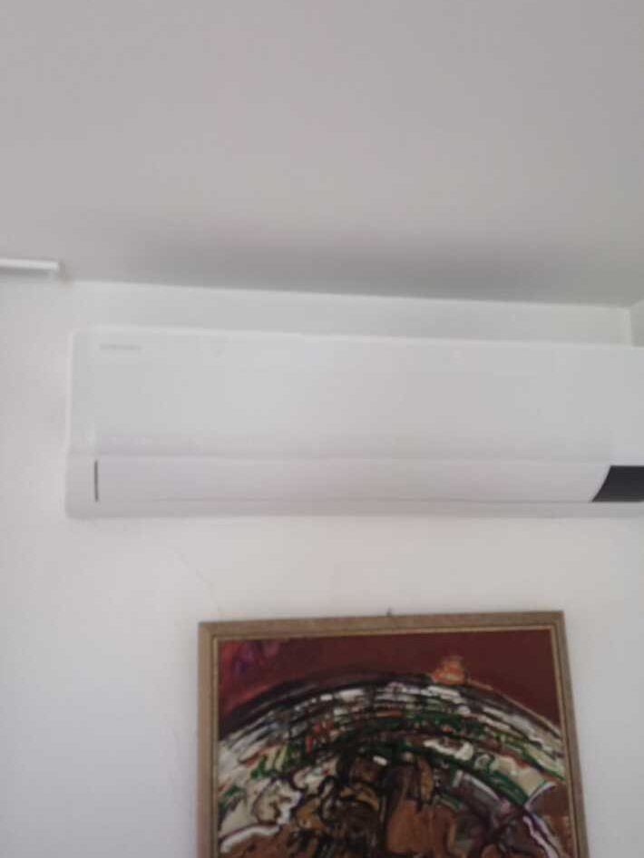 Realisatie Samsung multisplit aircowarmtepomp met 2 binnenunits wind free Comfort + vloermodel te Aalst