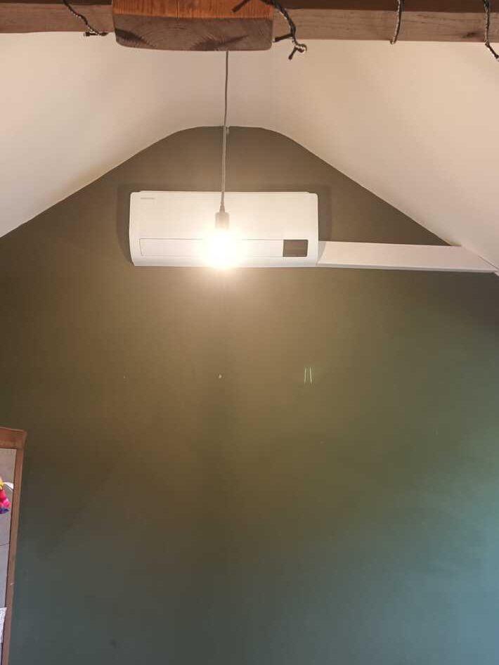 Realisatie Samsung multisplit aircowarmtepomp met 3 binnenunits wind free Comfort te Herzele