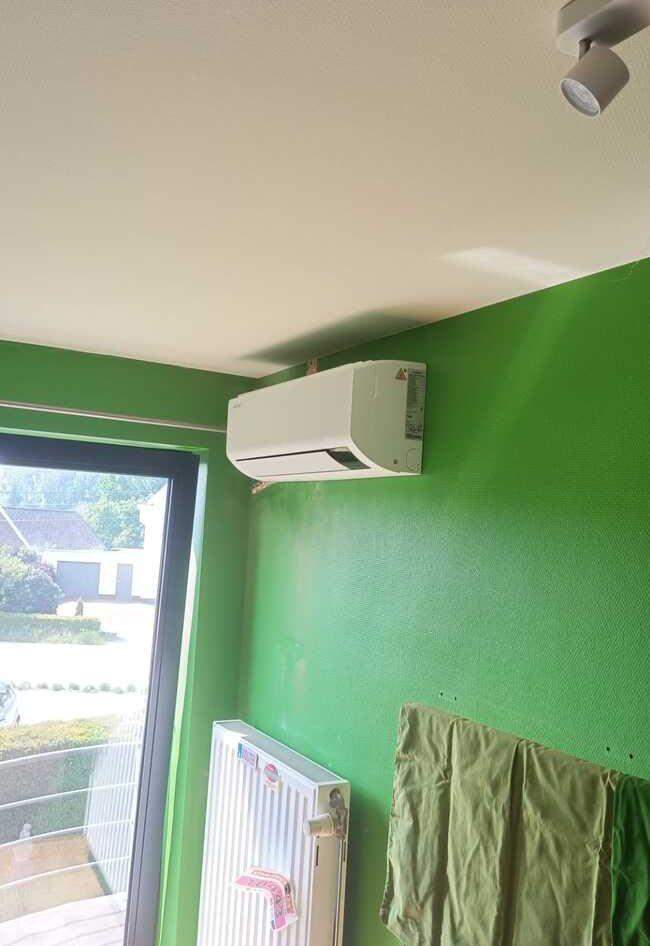 Realisatie Samsung multisplit aircowarmtepomp met 3 binnenunits wind free Comfort te Lede
