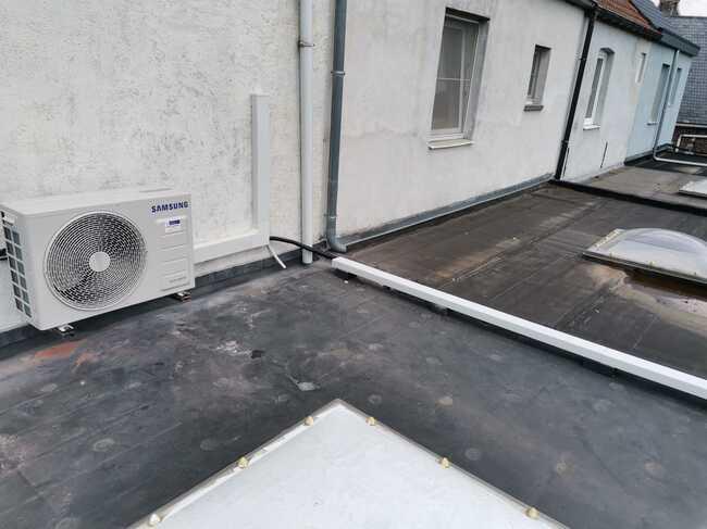 Realisatie Samsung multisplit aircowarmtepomp met 2 binnenunits Wind Free Comfort te Herdersem