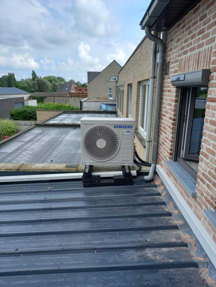 Realisatie Samsung multisplit aircowarmtepomp met 4 binnenunits Wind Free Comfort Brugstraat te Berlare