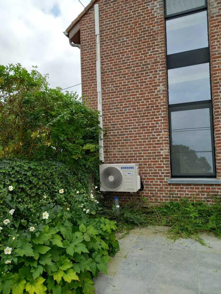 Realisatie Samsung multisplit aircowarmtepomp met 3 binnenunits Wind Free Comfort te Roosdaal