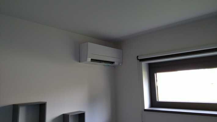 Realisatie 2x Mitsubishi multisplit aircowarmtepomp met 5 binnenunits te Eksaarde