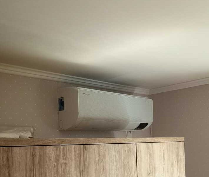 Realisatie Samsung multisplit airco/warmtepomp met 3 binnenunits Wind Free Comfort + CEBU  te Drongen