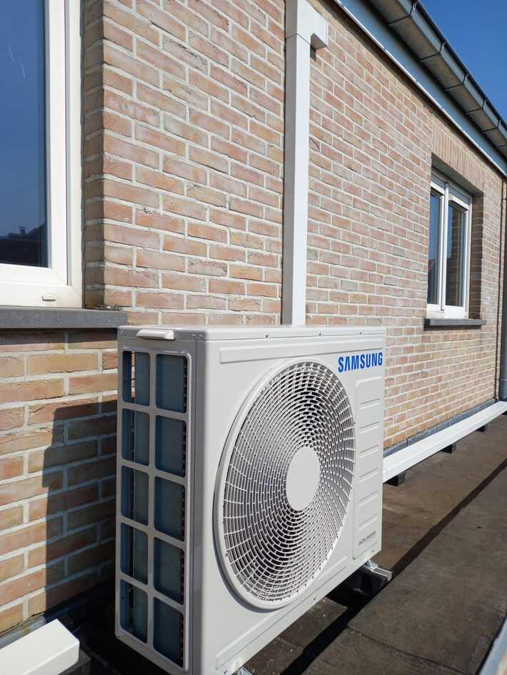Realisatie Samsung multisplit aircowarmtepomp met 4 binnenunits Wind Free Comfort Popperodedries 32 te Aalst