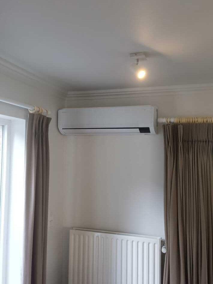 Realisatie Samsung 2x multisplit aircowarmtepomp met 4 binnenunits Wind Free Comfort te BurstErpe-Mere