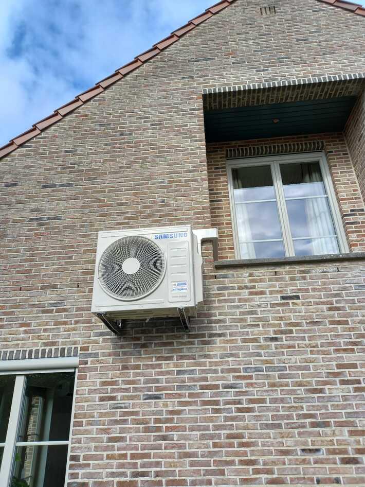 Realisatie Samsung multisplit aircowarmtepomp met 4 binnenunits Wind Free Comfort + Elite te Nieuwerkerken